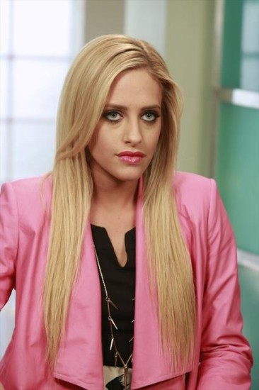 "Suburgatory Season 2 Episode 15 ""How to Be a Baby"" (4)"
