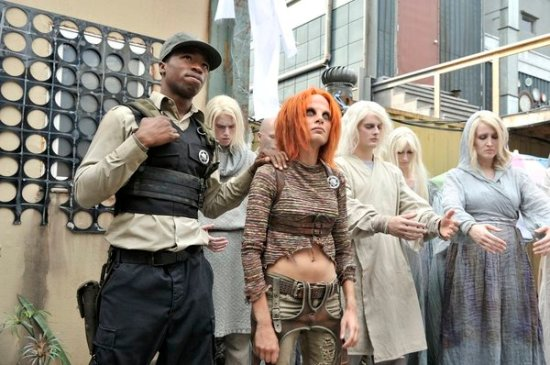 Defiance Season 1 Episode 2 Down in the Ground Where the Dead Men Go (4)