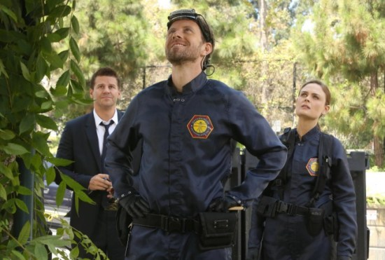 Bones Season 9 Episode 2 The Cheat in the Retreat 4