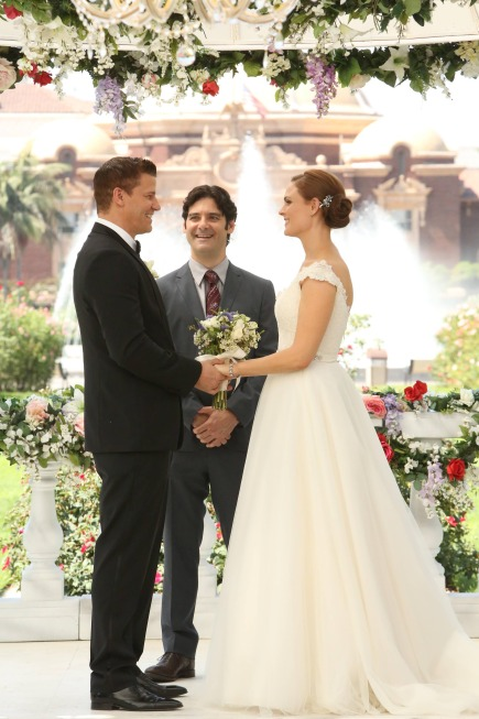 Bones Season 9 Episode 6 The Woman in White 4