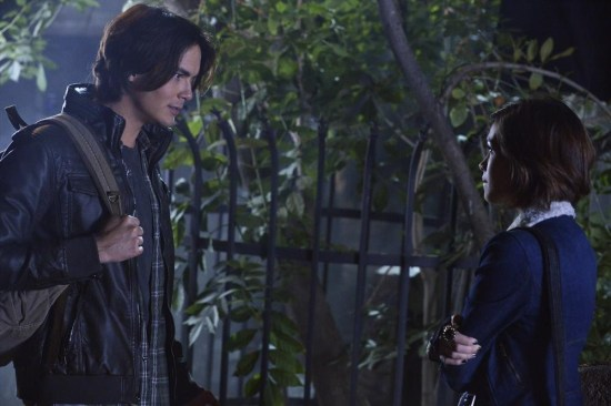 Pretty Little Liars Season 4 Episode 13 Grave New World (1)