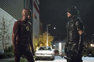 "The Flash -- ""Legends of Today"" -- Image FLA208B_0297b.jpg -- Pictured (L-R): Grant Gustin as The Flash and Stephen Amell as The Arrow -- Photo: Cate Cameron/The CW -- © 2015 The CW Network, LLC. All rights reserved."