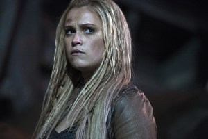 "The 100 -- ""Stealing Fire"" -- Image HU309b_0214 -- Pictured: Eliza Taylor as Clarke -- Credit: Cate Cameron/The CW -- © 2016 The CW Network, LLC. All Rights Reserveded"
