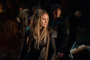 "The 100 -- ""Nevermore"" -- Image HU311a_0187 -- Pictured (L-R): Eliza Taylor as Clarke and Bob Morley as Bellamy -- Credit: Diyah Pera/The CW -- © 2016 The CW Network, LLC. All Rights Reserved"