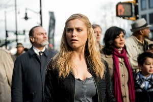 "The 100 -- ""Perverse Instantiation - Part Two"" -- Image HU316b_0175 -- Pictured: Eliza Taylor as Clarke -- Credit: Diyah Pera/The CW -- © 2016 The CW Network, LLC. All Rights Reserved"