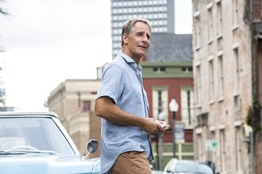 NCIS: New Orleans - Touched by the Sun