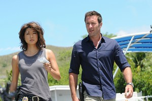 """Ua 'o'oloku ke anu i na mauna"" -- While Five-0 investigates a scuba diver's death from a gun recently used in another murder, McGarrett prepares to propose to Catherine, on HAWAII FIVE-0, Friday, Oct. 9 (9:00-10:00 PM, ET/PT), on the CBS Television Network. (*""Ua 'o'oloku ke anu i na mauna"" is Hawaiian for ""The Chilling Storm is on the Mountain"") Kono Kalakaua (Grace Park), left, and Steve McGarrett (Alex O'Loughlin), shown. Photo: Norman Shapiro/CBS ©2015 CBS Broadcasting, Inc. All Rights Reserved"