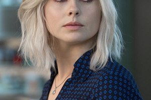 """iZombie -- """"Zombie Bro"""" -- Image Number: ZMB202a_0637.jpg -- Pictured: Rose McIver as Liv -- Photo: Jack Rowand/The CW -- © 2015 The CW Network, LLC. All rights reserved."""