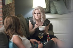 """iZombie -- """"Even Cowgirls Get the Black and Blues"""" -- Image Number: ZMB204b_0143.jpg -- Pictured (L-R): Aly Michalka as Peyton and Rose McIver as Liv -- Photo: Diyah Pera/The CW -- © 2015 The CW Network, LLC. All rights reserved."""