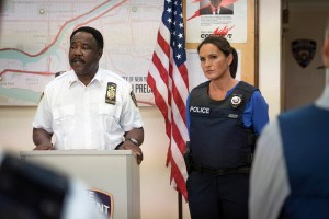 "LAW & ORDER: SPECIAL VICTIMS UNIT -- ""Community Policing"" Episode 17005 -- Pictured: (l-r) Isiah Whitlock Jr. as Captain Reece, Mariska Hargitay as Sergeant Olivia Benson -- (Photo by: Michael Parmelee/NBC)"