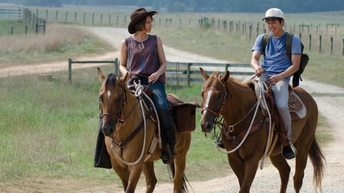 Maggie Greene (Lauren Cohan) and Glenn (Steven Yeun) - The Walking Dead - Season 2, Episode 4 - Photo Credit: Gene Page/AMC