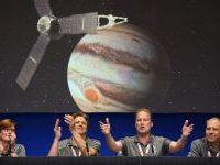 Sonda Juno sfiora Giove a 4.200 chilometri di distanza. La Nasa esulta