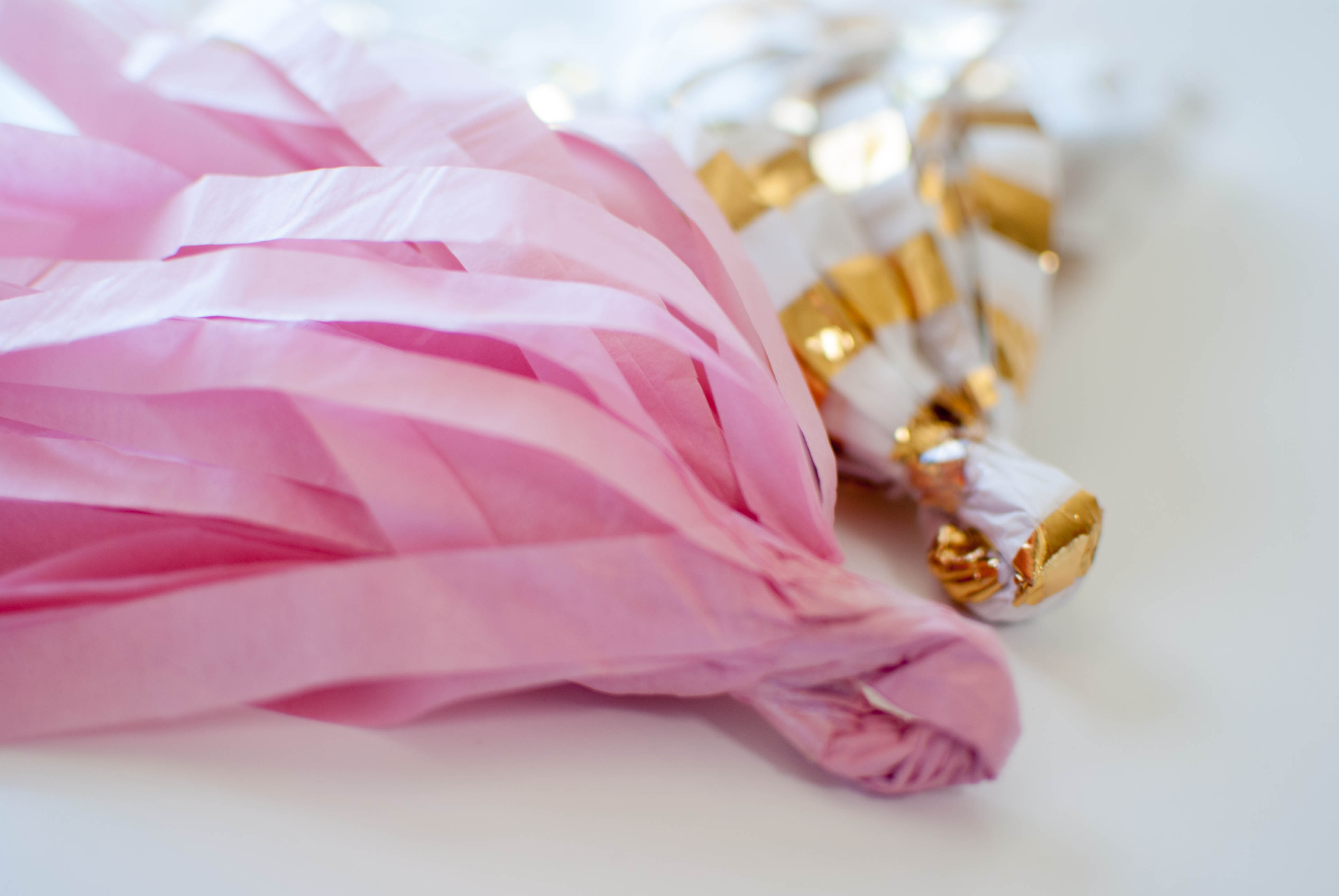 how to make tassels with tissue paper