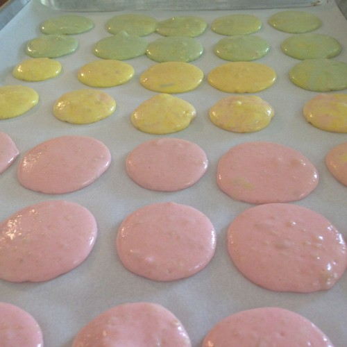 macarons - drying