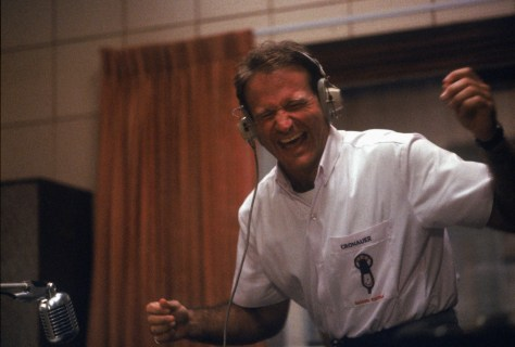 Good-Morning-Vietnam-robin-williams-25340806-2560-1731