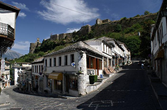 CNN: Albania, a country to visit in 2011