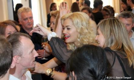 <!--:en-->Rita Ora celebrated her single 'RIP' in London today at the beautiful Asprey store<!--:--><!--:sq-->Sot Rita Ora e festoi singlin e saj RIP në dyqanin e margaritarëve luksoz Asprey në Londër<!--:-->
