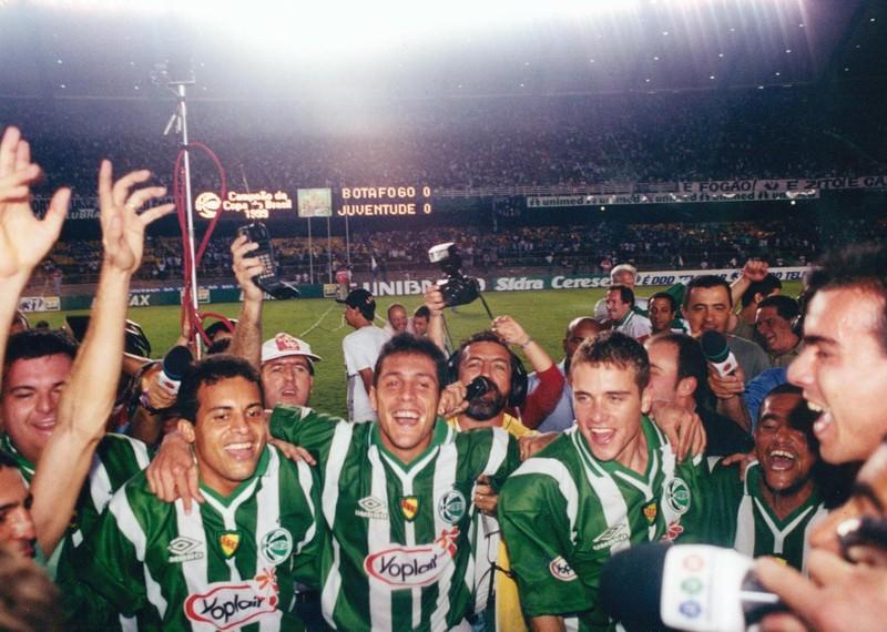 O que aconteceu com os campeões da Copa do Brasil 1999 pelo Juventude?