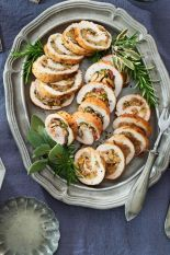 gallery-1475524126-clx110116brkthanksgiving-roulade