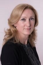 Headshot Lenka Mikalikova
