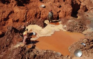 Artisanal small scale mining is responsible for up to 35% of global emission of mercury into the environment. Photo: Global Environment Facility