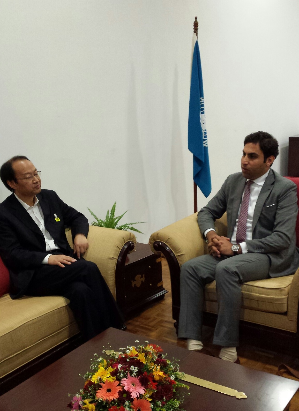 Vice President of All-China Youth Federation, H.E. Changkui Zhou, and Alhendawi.