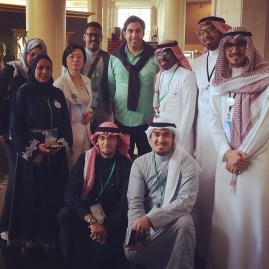 Alhendawi with conference participants. Photo Credit: M. Bakhrieba