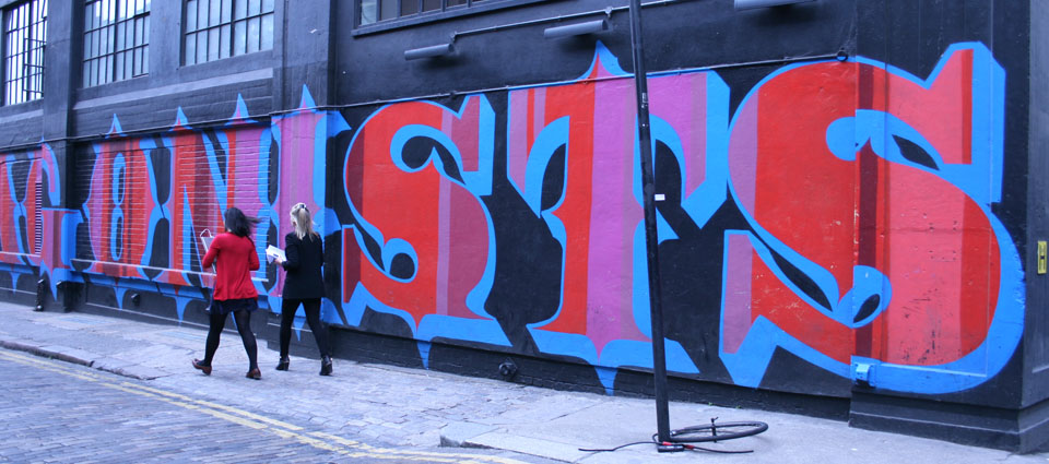 Shoreditch Londres alternativo Graffiti en Ebor street