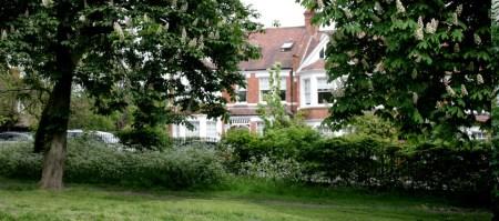 Vivir en Queen's Park
