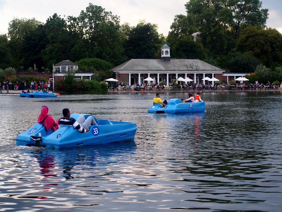qué ver en Hyde Park botes