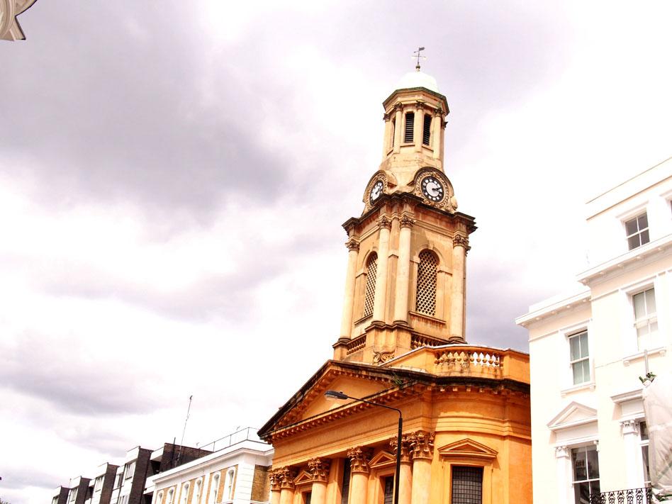 Paseo por Notting Hill iglesia