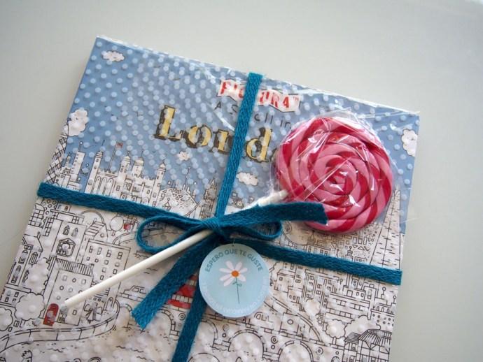 Envolder regalos para niños tarjeta