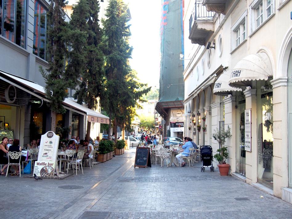 Grecia Atenas calle Kapnilkareas