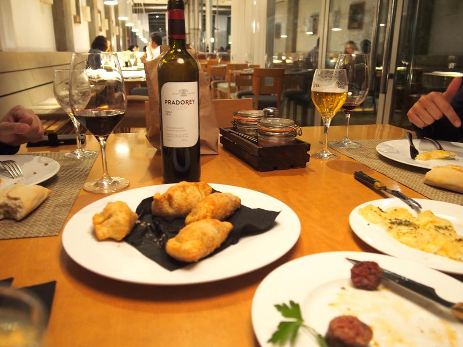 beef place restaurante con jardín en Madrid empanadillas