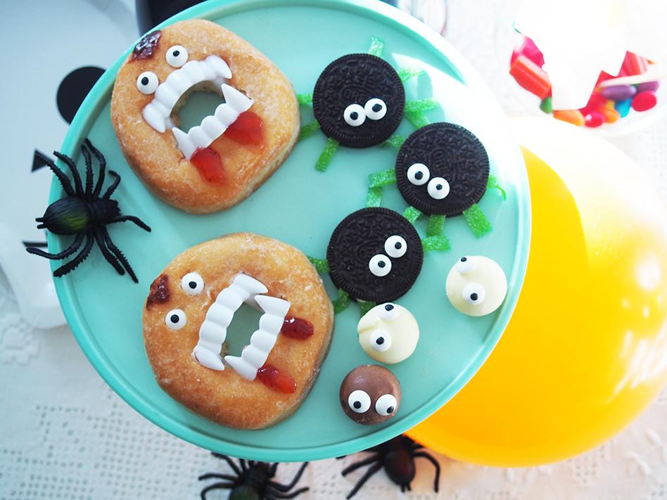 Ideas-geniales-de-comida-para-Halloween-cara-con-donut