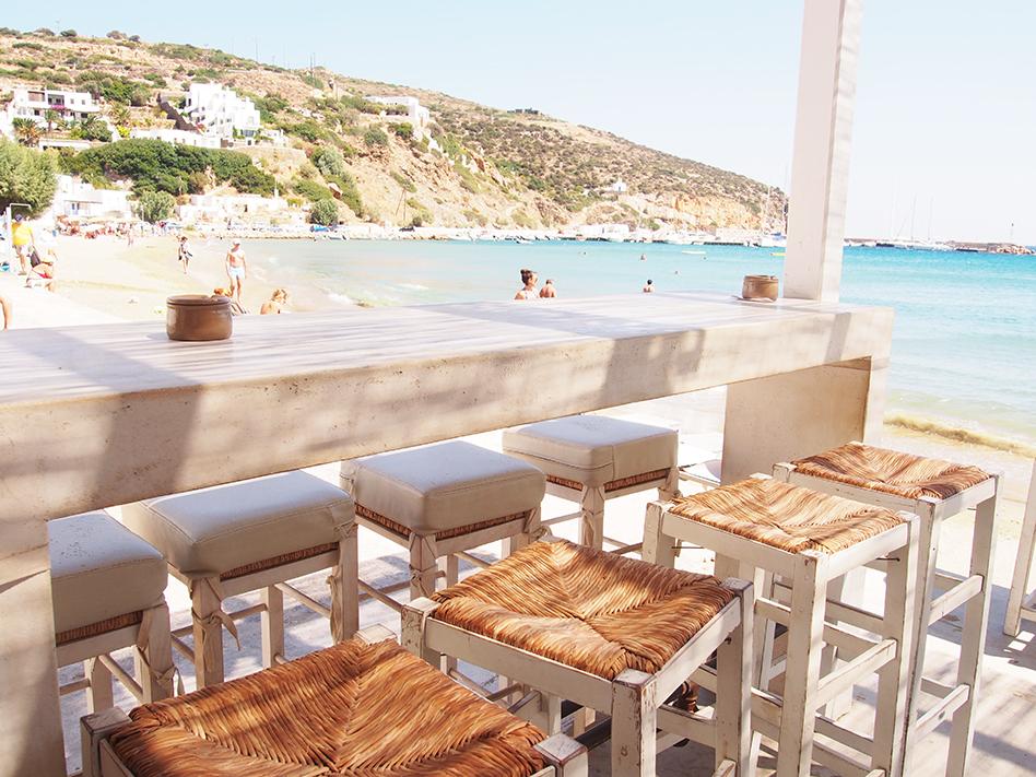 Sifnos en Grecia Omega tres barra