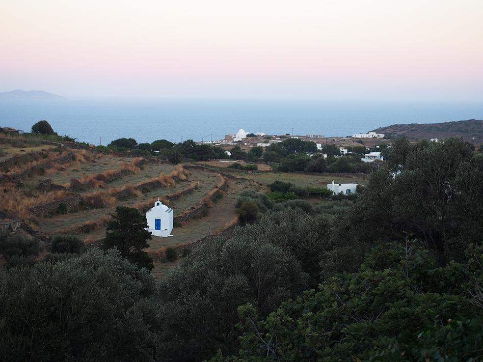 Sifnos en Grecia Apollonia paisaje