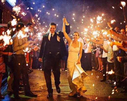 My favorite photo so far this wedding season! Follow suniraphotographyhellip