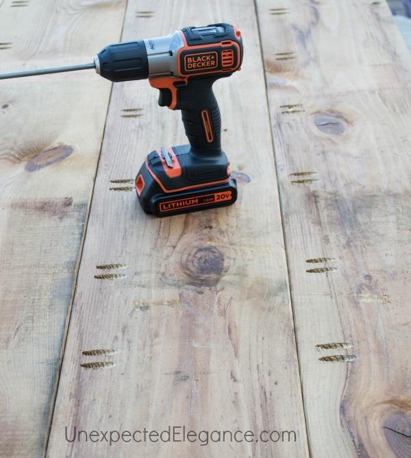 EASY DIY Outdoor Table-1-5.jpg