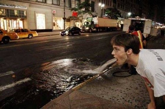 Man pukes like a fire hydrant