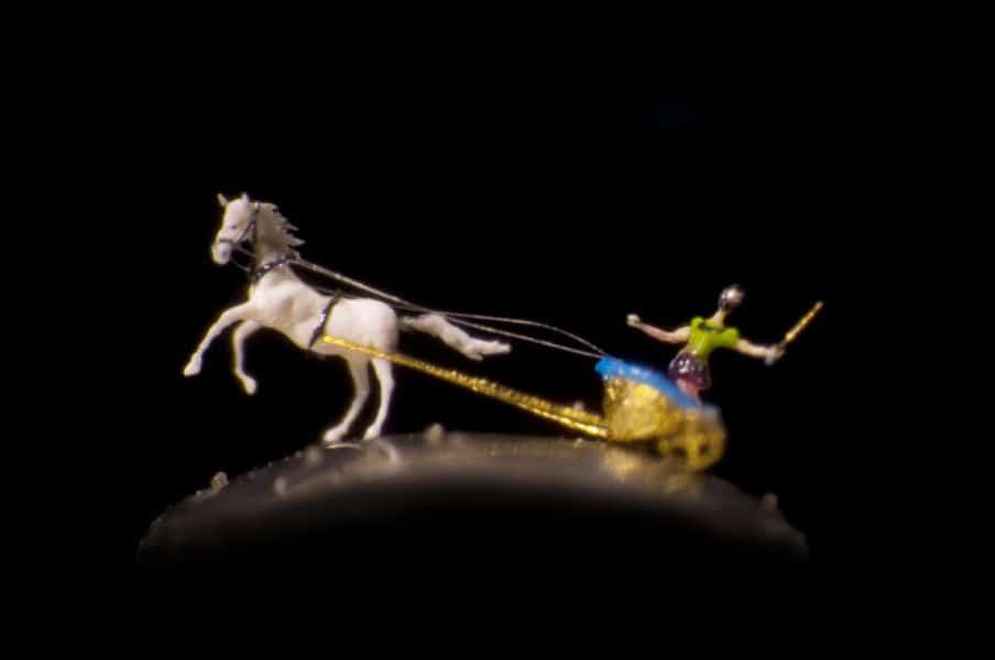 Willard Wigan micro art needle eye the chariot