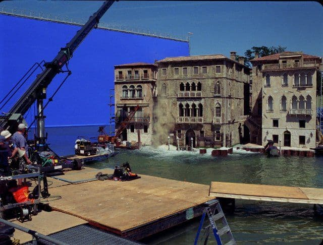travelling to venice casino royale sinking special effects