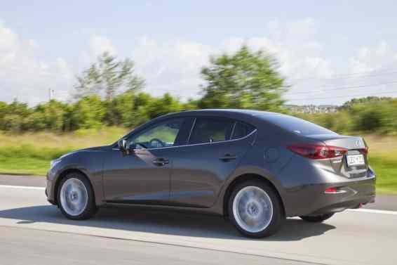 2014 Mazda3 sedan side