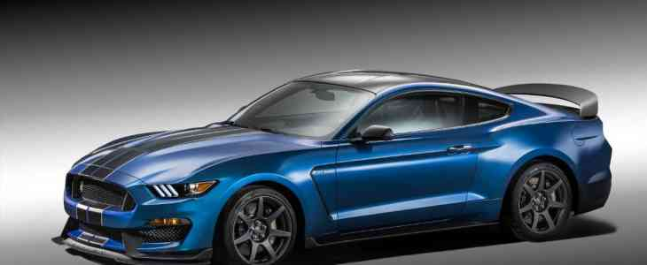 Mustang_Shelby_GT-350R_1