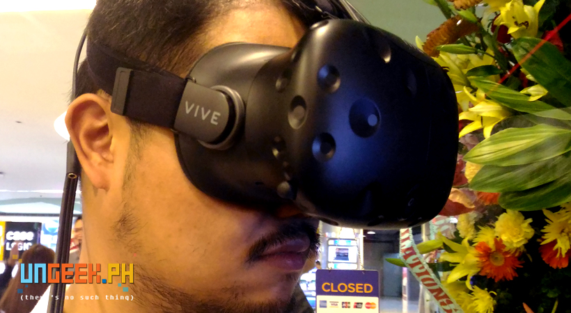 Managing Editor, Rob Yatco, virtually immersing himself within the deep blue sea. Just keep swimming, Rob. Just keep swimming. :D