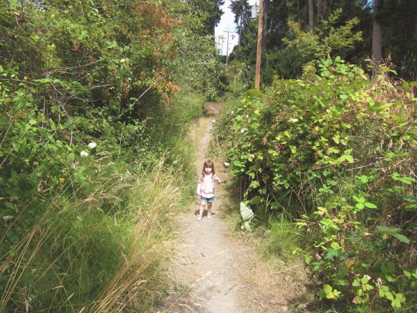 17 gwen on the blackberry trail