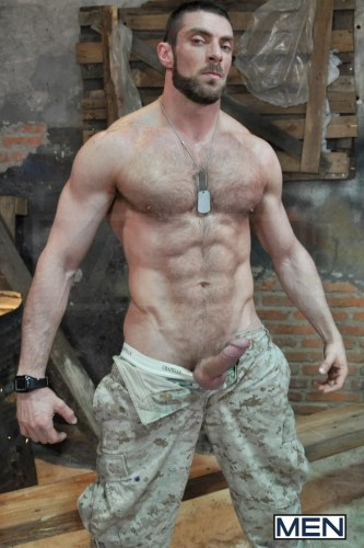 military_male_nude_men_naked_hardon_sixpack_chest_dogtags_sex_out_army