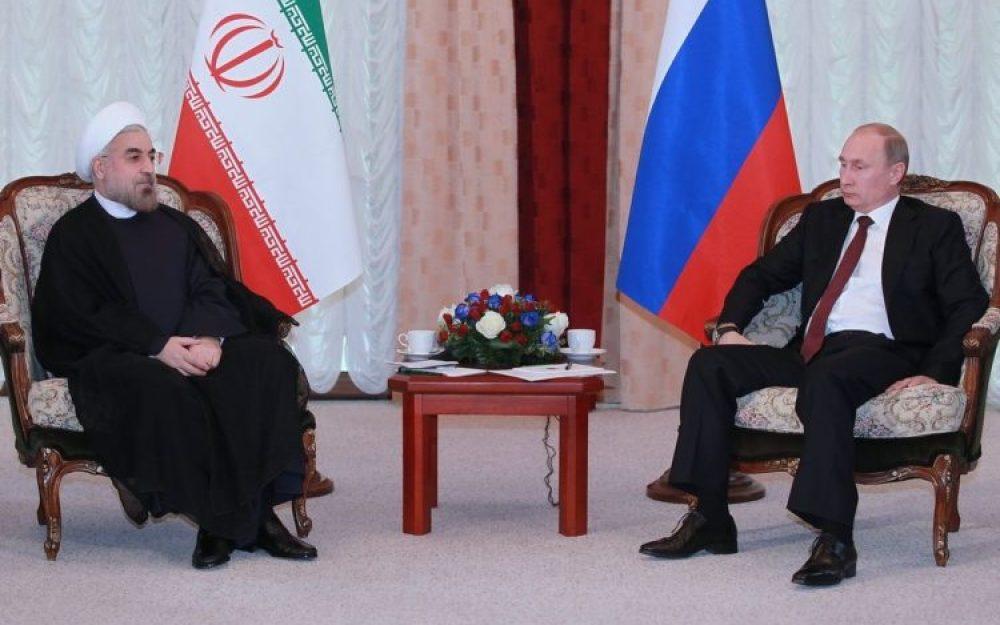 El presidente de Irán, Hassan Rouhani, en el encuentro con su homólogo ruso, Vladimir Putin, en una reunión de la Organización para la Cooperación de Shanghai (2013) [Foto: WikimediaCommons].