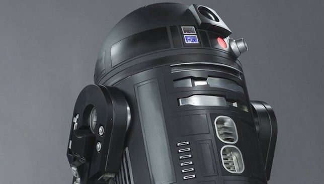[Foto] Rogue One: a Star Wars Story – R2-D2 è passato al lato oscuro?