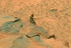 tiny detail from a panorama taken by the Mars Exploration Rover Spirit on sol 1,366-1,369 (November 6-9, 2007) of its position on the eastern edge of Home Plate. Credit: NASA / JPL / Cornell